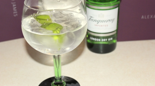 Tanqueray copa gin & tonic glass